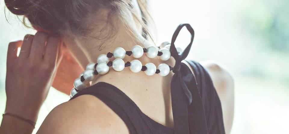 Collier Ruban et Grosses Perles